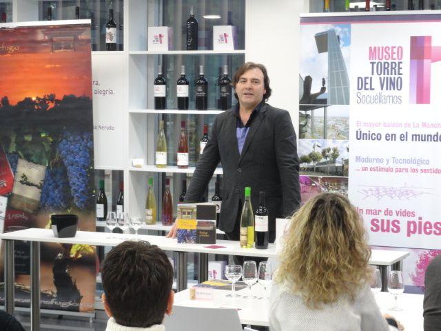Imagen Finca El Refugio presenta los vinos de la añada 2016 en el Museo Torre del Vino