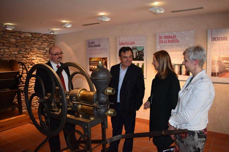Imagen La DO La Mancha visita el Museo Torre del Vino de Socuéllamos