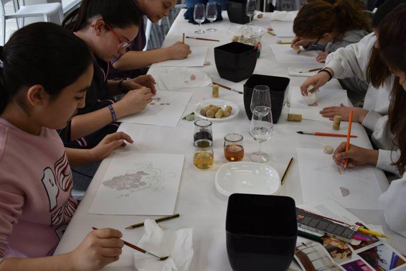 """Imagen Proyecto educativo """"Pintamos con Vino"""""""