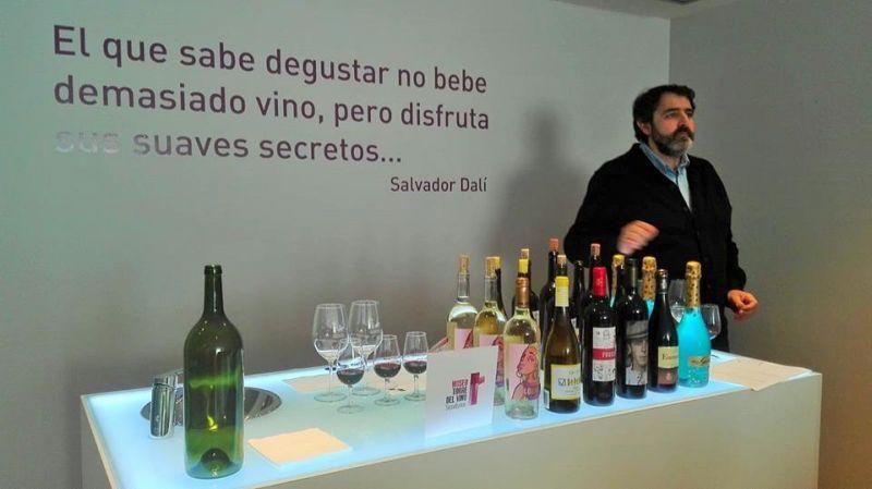 """Imagen Charla-Cata  """"El Vino entra por tus ojos"""""""