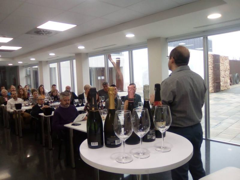 Imagen Cata de Espumosos de la Asociación de Catadores de Vino de Socuéllamos