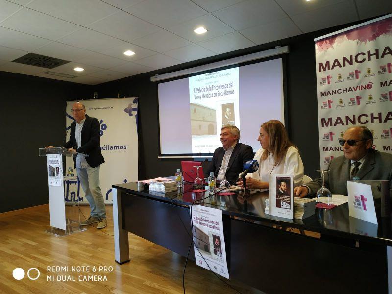 """Imagen Conferencia """"El Palacio de la Encomienda del Virrey Mendoza en Socuéllamos"""", por Javier Es"""