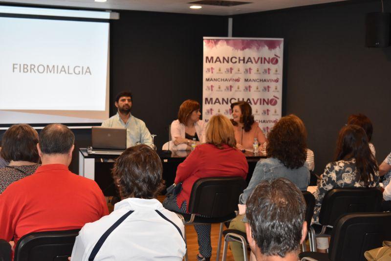 Imagen Se celebra la charla coloquio 'Hablemos de FIbromialgia' impartida por el Dr. Miguel Osvaldo Vaira