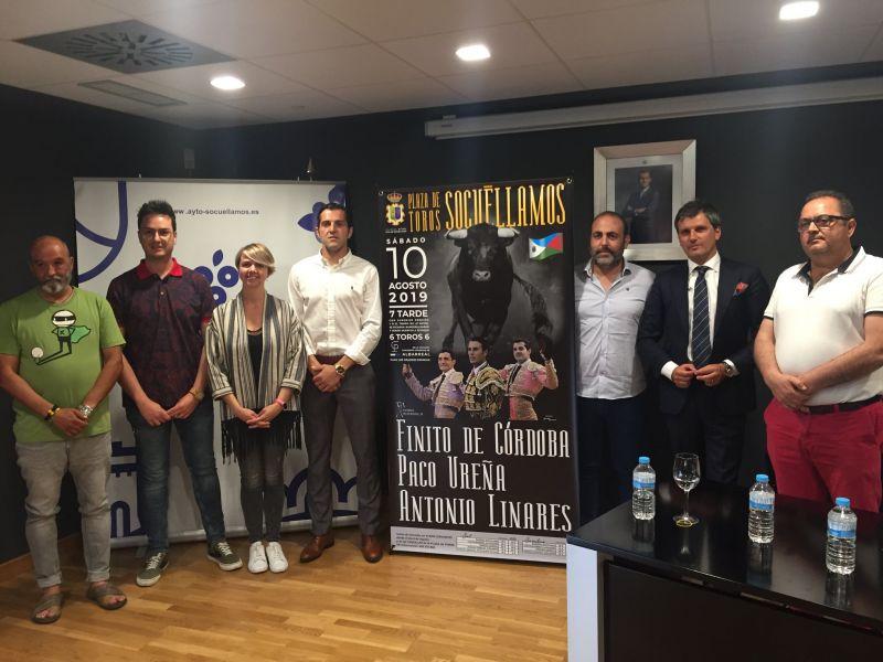 Imagen Presentación en el Museo Torre del Vino del cartel taurino para la Feria y Fiestas 2019