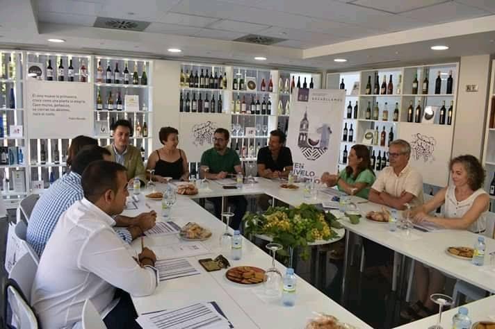 Imagen Reunión de la 'Ruta del Vino de La Mancha' en el MTDVS