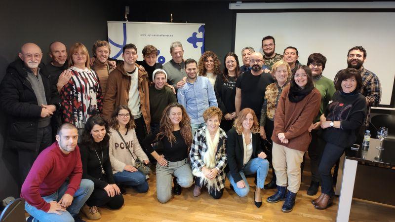 Imagen Recepción del Ayuntamiento y Oretania Teatro a la compañia Volem Teatre de Alzira